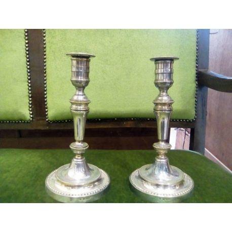 Κηροπήγια μονόκερα Christofle ζευγάρι του 1880 υπέροχες γραμμές, και σφραγίδες ποιότητας Christofle. Εξαιρετικά σπάνια. Antique Christofle candelabra set of two cerca 1880 silver plated
