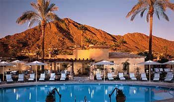 Royal Palms Resort offers Christmas and NYE events - 'Tis the season to celebrate all things merry and bright and Royal Palms Resort and Spa in Phoenix is giving guests many ways to enjoy the holidays with special dining opportunities, a stay package and a glamorous New Year's Eve party. With a heritage dating back to 1929, Royal Palms combines the... - https://azbigmedia.com/royal-palms-resort-offers-christmas-nye-events/