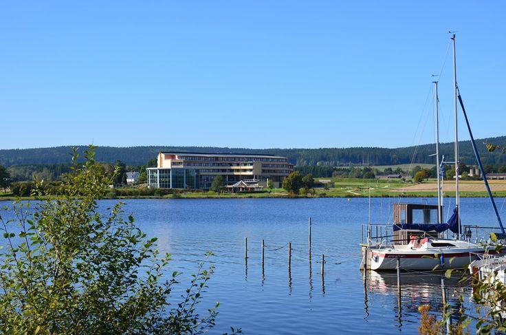 Kurzentrum Weißenstadt am See - Germania, Franconia. Nuovo hotel per il benessere e la salute in Fichtelgebirge, situato proprio sul lago, con piscina e sauna, reparto di terapia (compreso radon & terapia del freddo), un salone di bellezza. #digiuno #dieta #dimagrire #perderepeso #germania #benessere