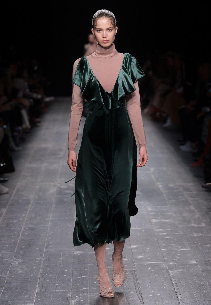 Lazo Caprichoso Blog de moda Moda Low Cost II Vestido de terciopelo Valentino