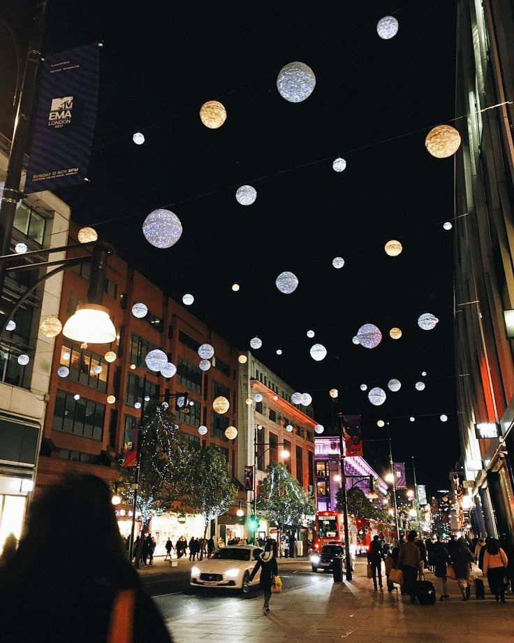 Christmas is coming...at least in London. 😍🎄 #christmas #soon #london #lights