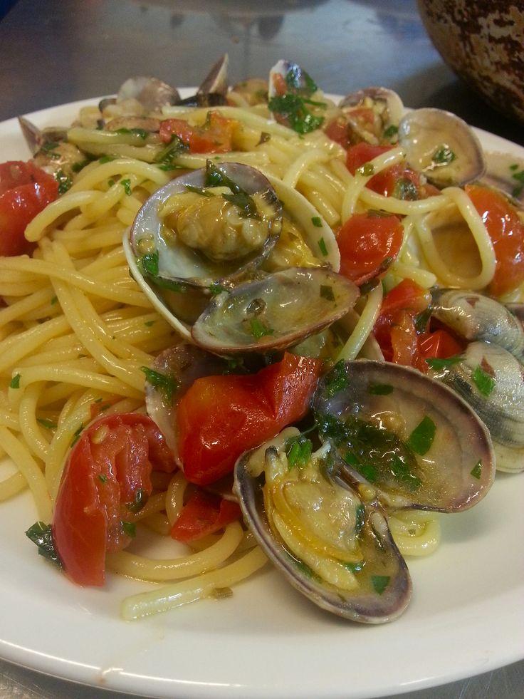 Vermicelli alle vongole rosè... Yummi! #food 4 #iloveischia #dinner at  #hotelaperegina #ischia #joinus.