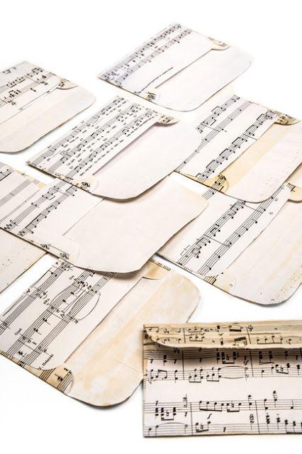 Kirjekuoret vanhoista nuottipapereista