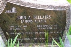A fan's site to the late author John Bellairs who wrote gothic fiction for kids starting with the classic The House With a Clock In It's Walls.