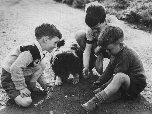 PLAYING MARBLES (BOOLS) 1950s | In Scotland Marbles are some… | Flickr