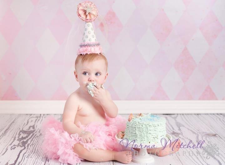 Pretty birthday hat for cake smash