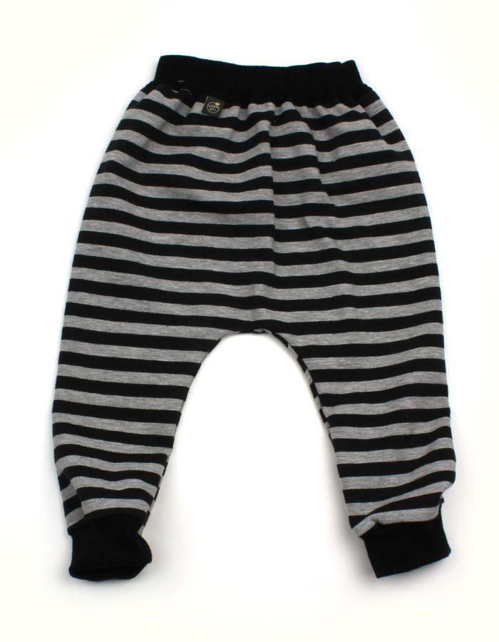 zwart met grijze strepen