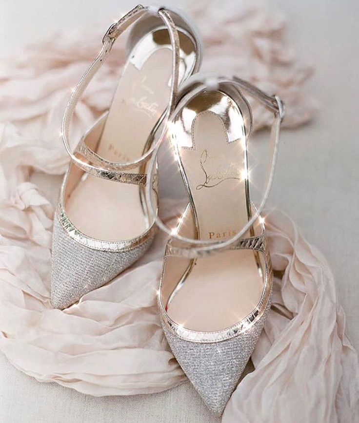 The perfect heel to pair with the perfect dress! Tag a friend if you love this shoe! #shoes #nyc #heels #shoeaddict #louboutin #jimmychoo #zanotti #ysl #chanel #wedding #engaged #partydress #weddingdress #engagementparty