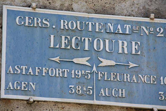 Route nationale n°2 à Lectoure dans le #Gers