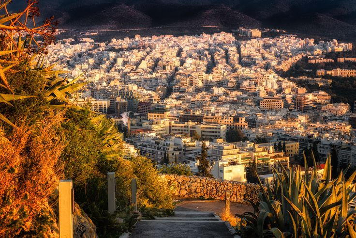I've never experienced that somewhere else: Why does it feel like the entire city of Athens is made from marble❓
