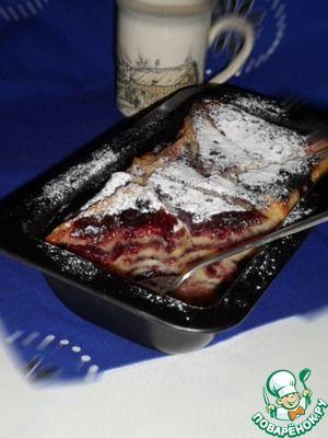 Хлебный пудинг с заварным кремом и черничным джемом