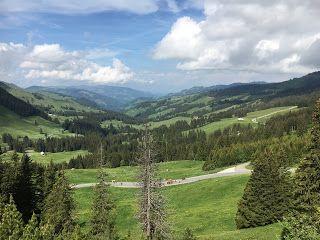 Blog über das Reisen und wandern. Zurzeit vorallem Wandern in der Schweiz. Fernziel ist der Fernwanderweg E1