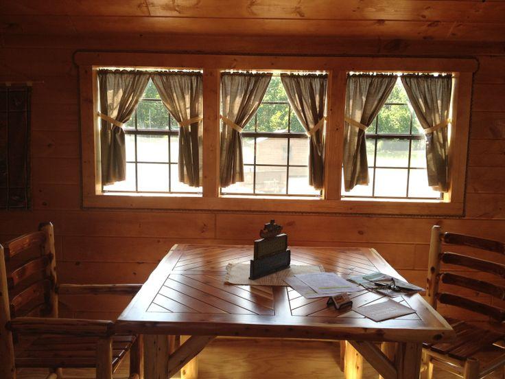Etonnant Cabins Built By Mennonite. Cumberland Furnace, TN.
