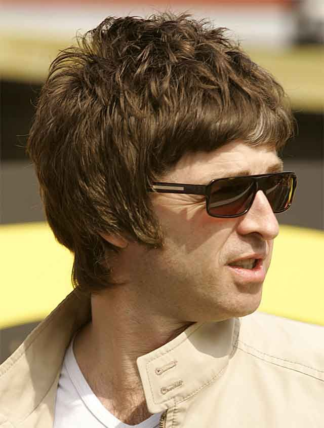 can Noel sue Liam back because we all have to look at his stupid haircut? ok.