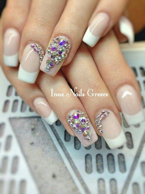 #swarovski #crystals #strass #rhinestones #french #acrylicnails ✌