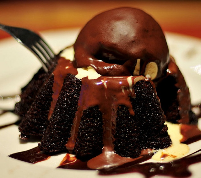 Chocolate Lava Cake Decoration : Chillies Molten Choclate Lava Cake Desserts and ...