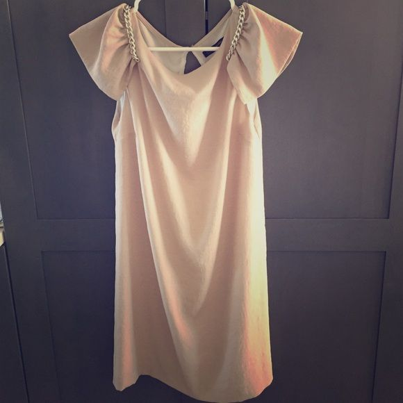 """Zara dress pls buy it now Sweet style flesh color Zara basic dress for formal or casual occasion. The dress is around 1-2 in above knee level. Length is dress is 31"""" and bust is 35. New item. Zara Dresses"""