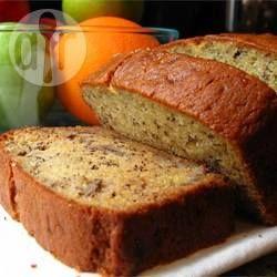 Bolo de banana com iogurte e nozes @ allrecipes.com.br - Um bolo macio e molhadinho, com bananas em rodelas ao invés de amassadas.
