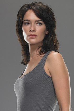 テレビシリーズの「ターミネーター」でサラを演じたレナ・ヘディ。