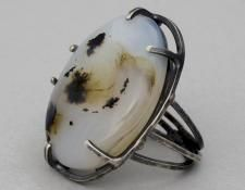 QUOIL Gallery, New Zealand, contemporary jewellery - Rebecca Fargher - Agate ring - oxidised sterling silver