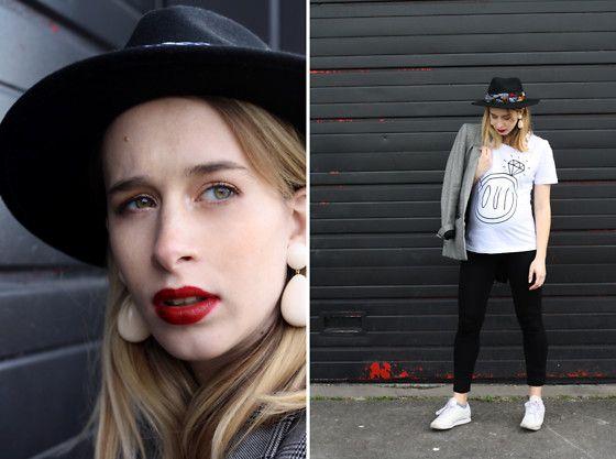 Get this look: http://lb.nu/look/8633613  More looks by Giseleisnerdy L: http://lb.nu/giseleisnerdy  Items in this look:  Irl Collection T Shirt, Envie De Fraise (Maternity Brand) Leggings, Reebok Baskets, Mango Jacket, Alexandrine Paris Earrings, &Other Stories Hat, Indira De Paris Turban   #chic #elegant #vintage