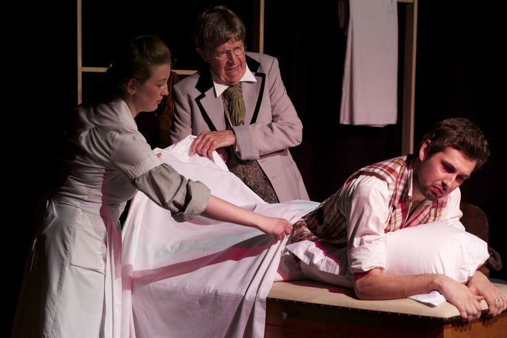 Annie, Dr Givings, Leo