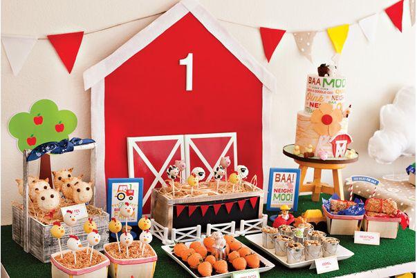 Tema para festa de menino - Fazendinha - Para as crianças que amam os animais, essa pode ser uma ótima ideia! As mamães e os papais podem usar bastante a imaginação para criar vários bichinhos!