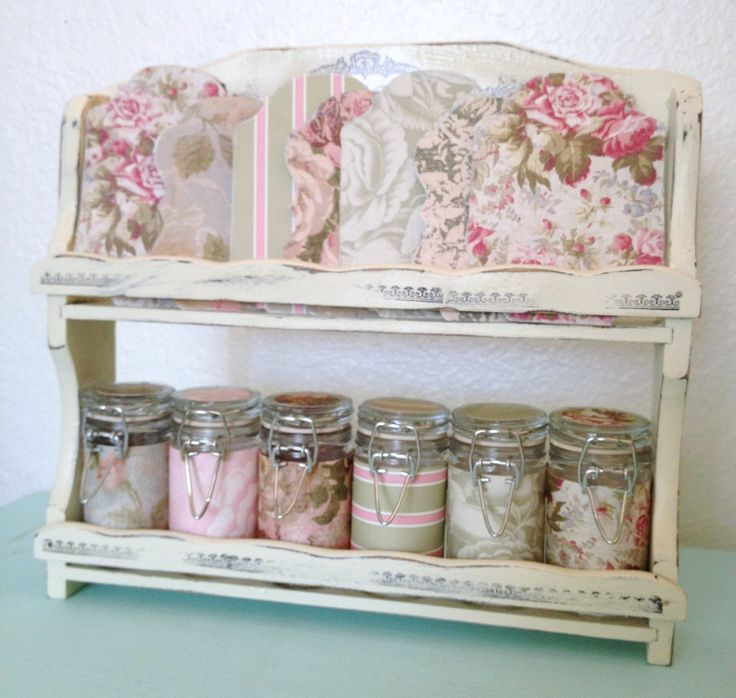 This is cute as can be and seems easy enough to make too.  Color coordinate with the room would be stylish.