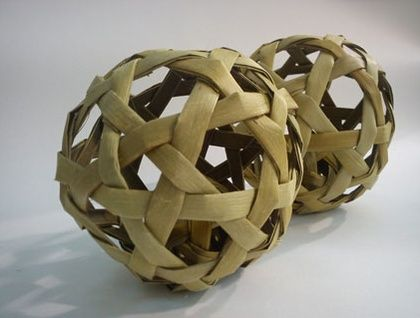 Flax Woven Ball (with bell inside) 13cm