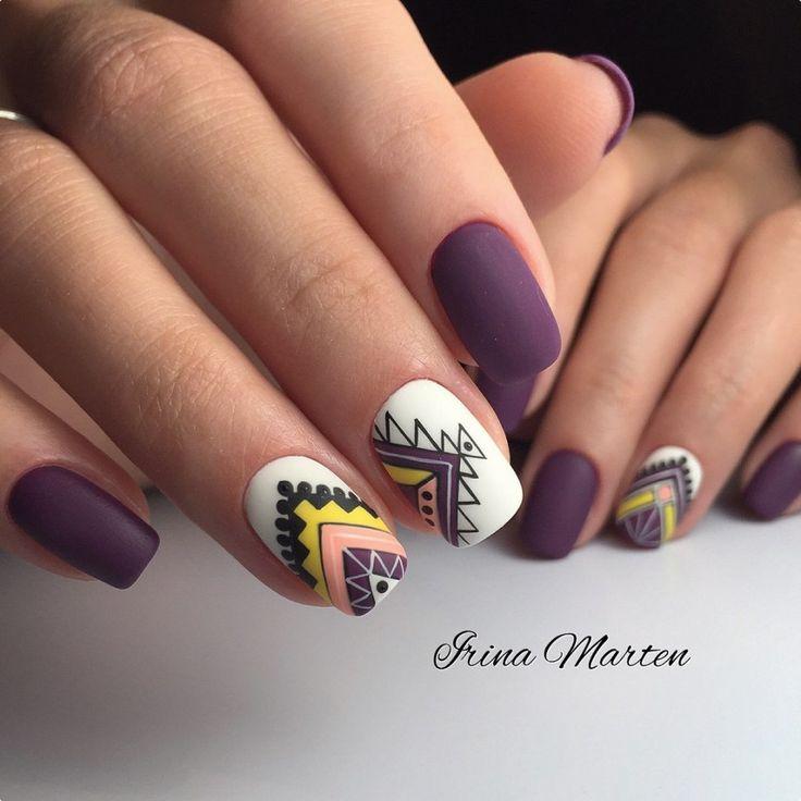 Nail color + geometric