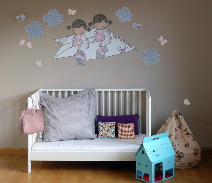 Vinilo infantil de stencil barcelona ni as en avi n de - Vinilos para habitaciones infantiles ...