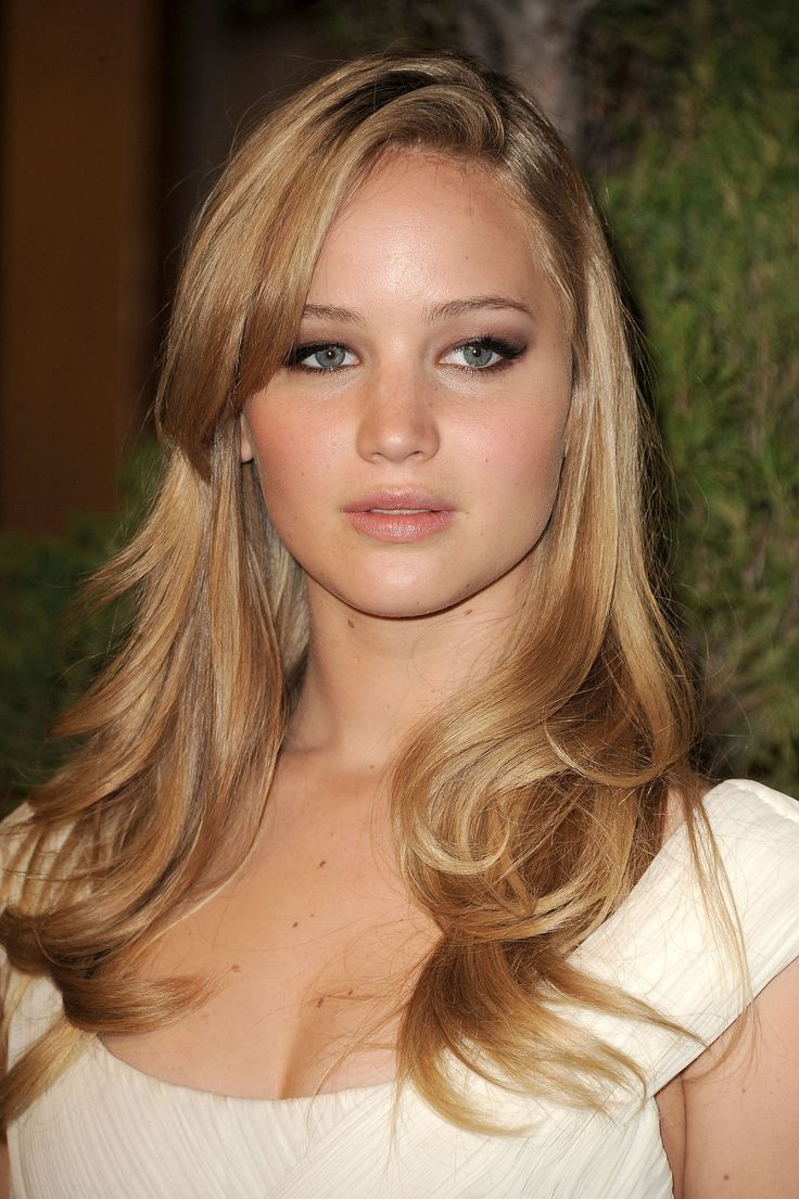 """In 2012, Jennifer told Glamour that fame felt daunting: """"I feel like I'm in the eye of the hurricane right now. I just recently started cleaning like I'm insane, and I'm starting to think it's my anxiety over the movie. I think it's a bit like, 'I'm just cleaning the refrigerator handle. The movie's not coming out. I'm going to clean it spotless, and then my life will not change.' It's just scary. I feel like I got a ticket to go to another planet and I'm moving there and there's no turning…"""