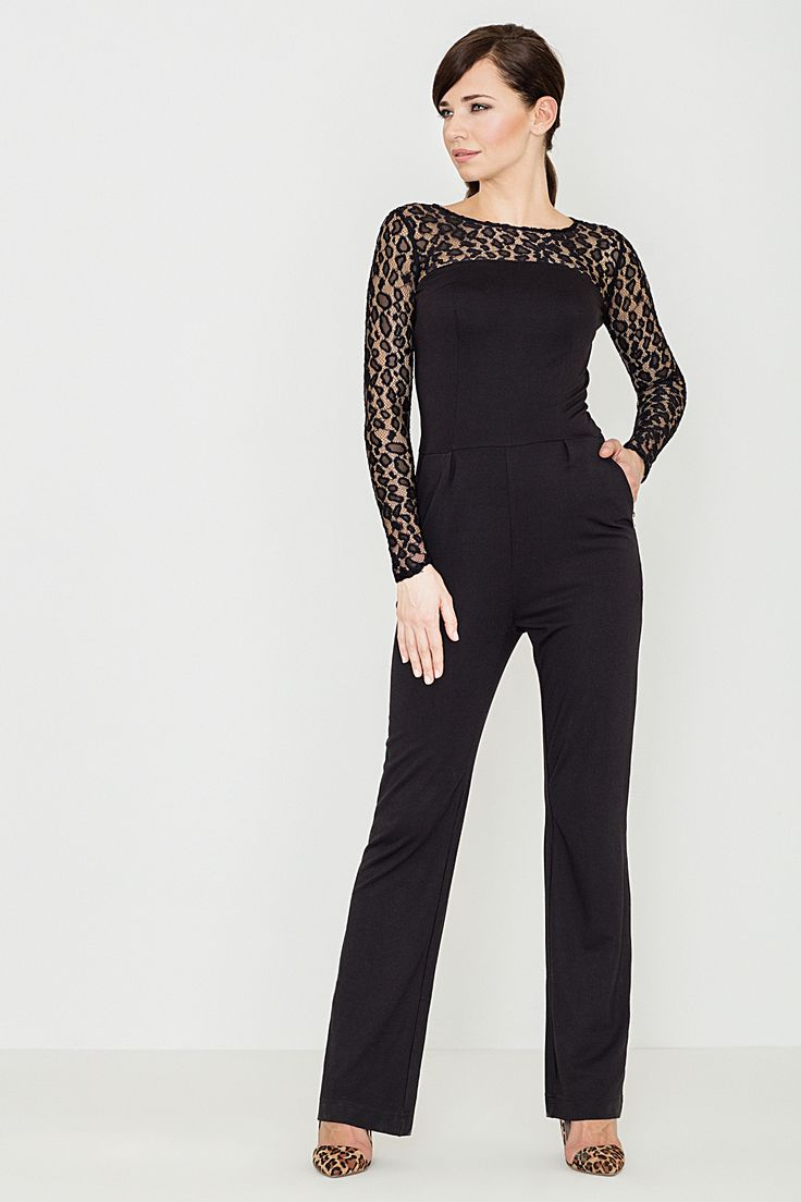 Elegant black overalls with lace.  Elegancki czarny kombinezon z koronką.