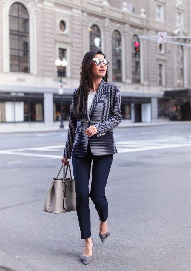 Striped blazer + the best-fitting pants (no waist gap!) | Extra Petite | Bloglovin'