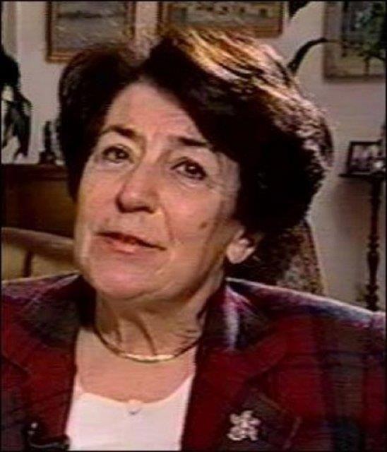 İlk kadın bakan: Prof. Dr. Türkan Akyol