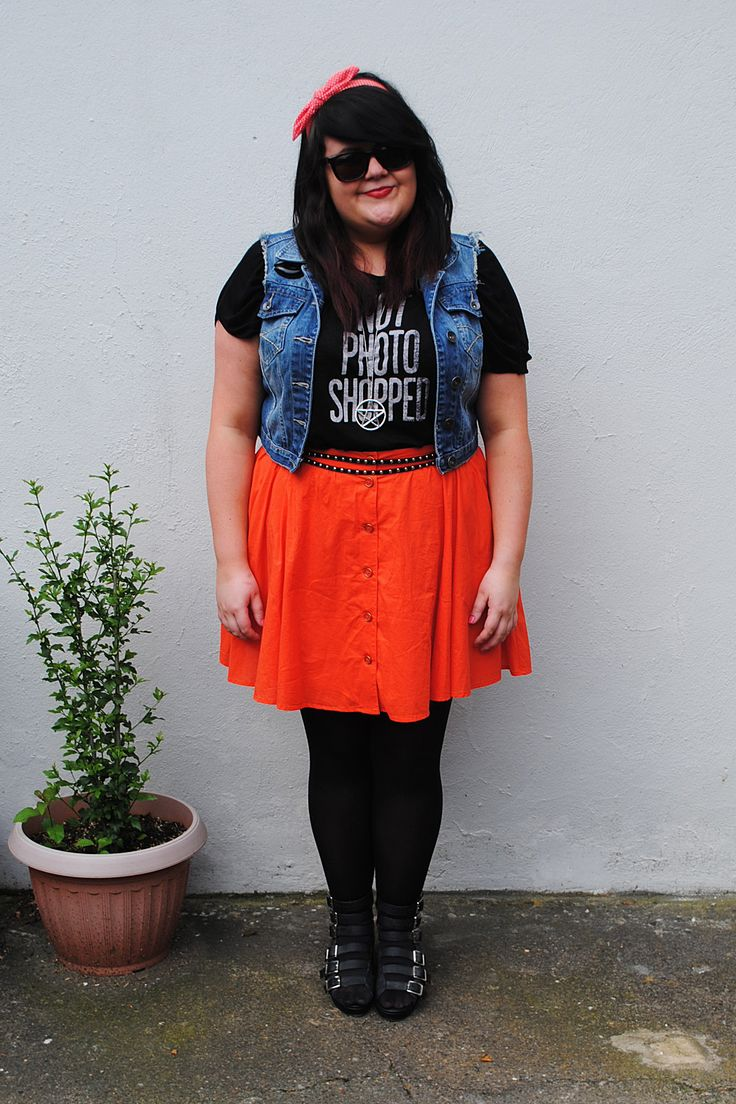 MessyCarla: A Fashion Blog In A Size 16: Not Photoshopped.  Gorgeous plus size women and fashion.