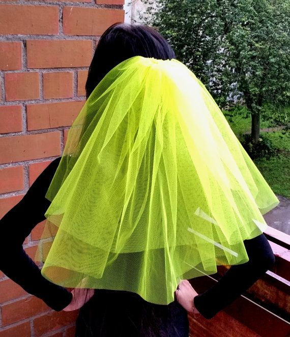 Very bright neon yellow colour middle length veil is perfect for bachelorette party or wedding. It could be great for the bride and bridesmaids. Veil is