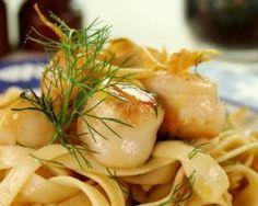 Tagliatelles aux noix de Saint-Jacques et sauce curry