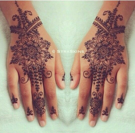 Back of palm mehndi..