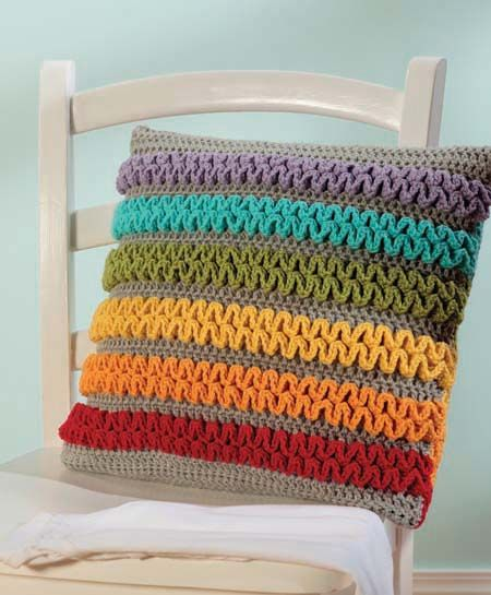 Rainbow wiggle pillow crochet (Note to self: try with white background with various pinks)