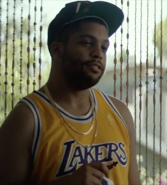 The #8 Kobe Bryant LA Lakers shirt that O'Shea Jackson Jr. (Dan Pinto) wears in the movie Ingrid Goes West (2017)