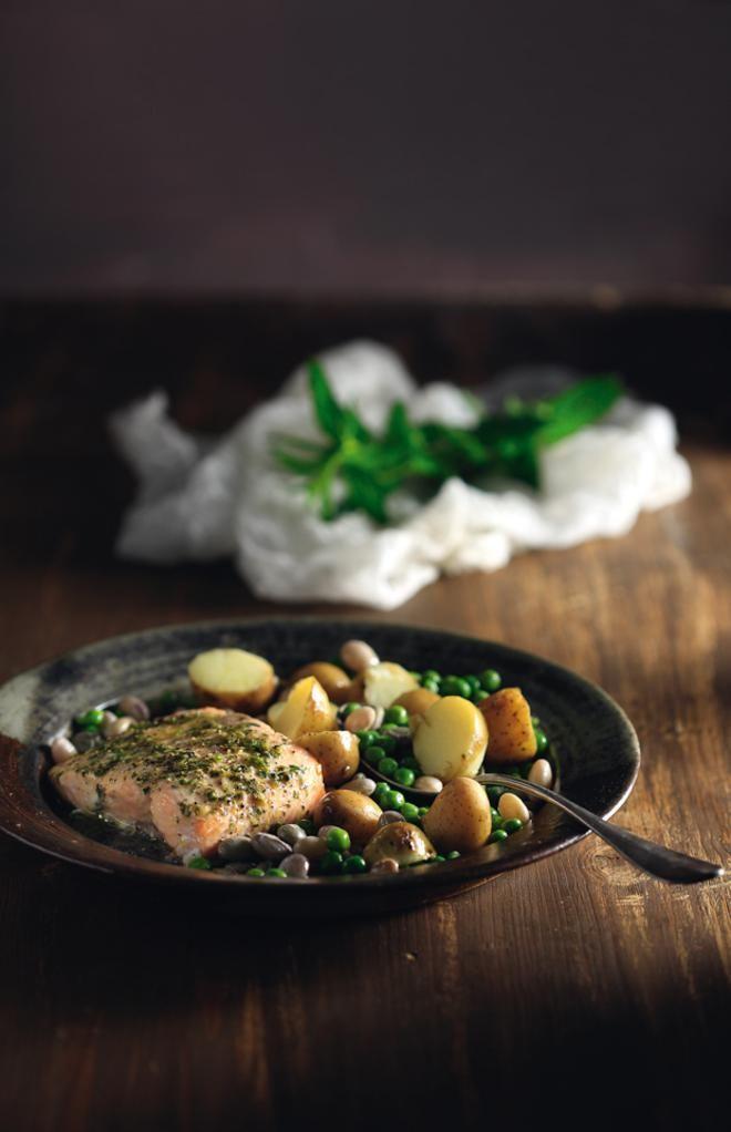 Σολομός με πατάτες και λαχανικά