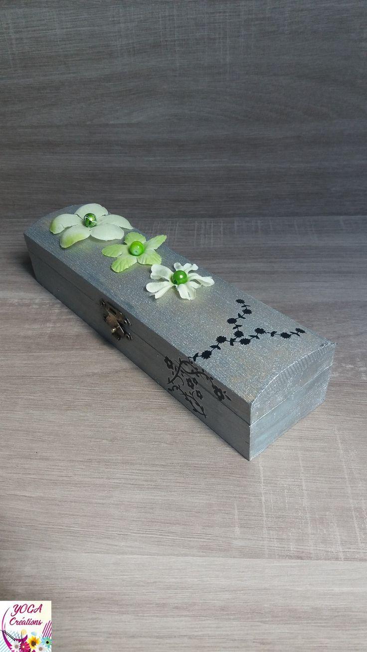 Boite à bijoux en bois couleur gris aluminium et verte : Presentoir, boîtes par yogacreations