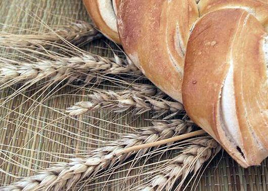 Es necesario recordar que los Molinos están pagando el trigo a un precio menor de la mitad de lo que pagaban hace 2 años, por lo que un reacomodamiento de precios del trigo no debería impactar en el valor de la harina. Frente a los intentos de querer