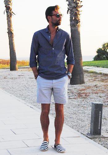 【夏】カプリシャツ×白ショーツ×エスパドリーユのリゾートコーデ(メンズ) | Italy Web