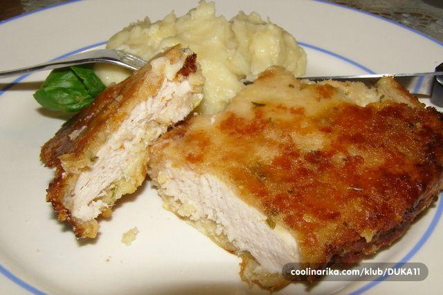 Najcesce koristim piletinu! Ovo je jedan takav rucak :) SASTOJCI 500 g cureceg belog mesa ili pilećeg mesa 4 dl jogurta 100 g trapist...