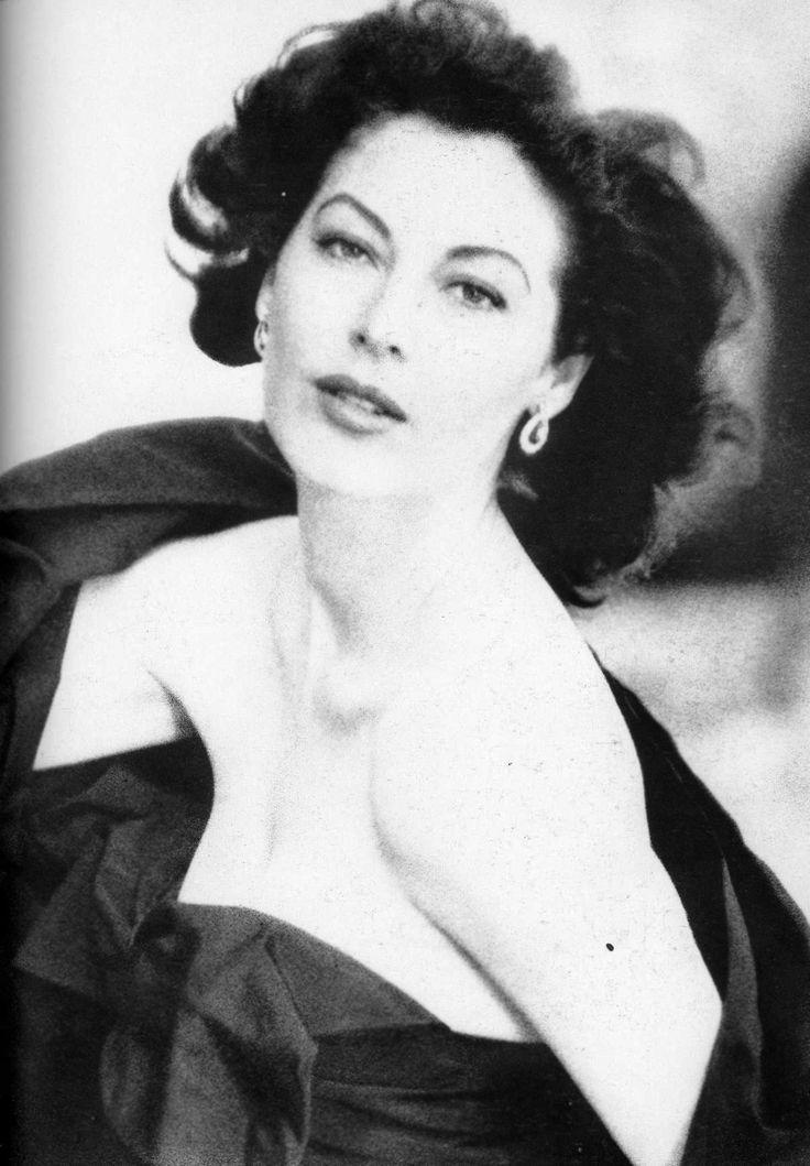 Norman Parkinson - Ava Gardner, 1953