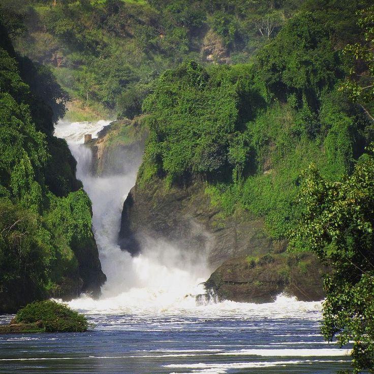 Murchison Falls. As seen on day 3 during our trip to #Uganda.  #contourairse #litemeravallt #pin #visituganda #rundresa #paketresa #resebyrå #reseblogg #semester