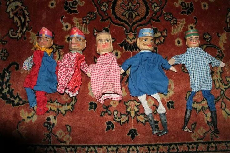 Oude Poppenkastpoppen 📌 old hand puppets - Alte Kasperle Puppen
