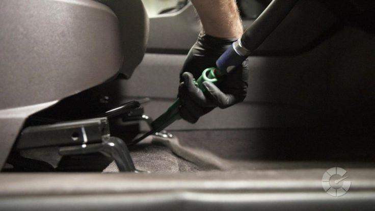 How to properly vacuum your car | Autoblog Details - Autoblog
